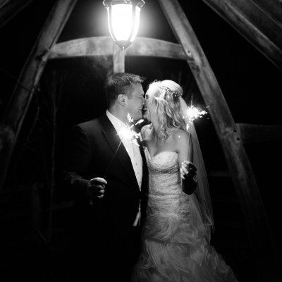 Amy and Mike – HYDE BARN